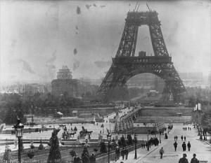 torre-eiffel-1888