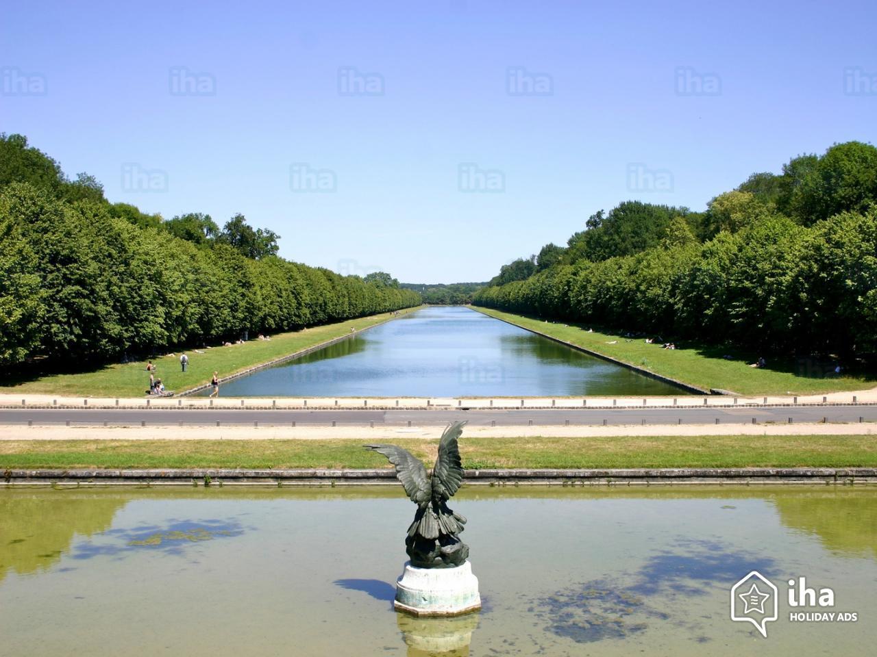 Fontainebleau-Grand-canal-du-parc-de-fontainebleau