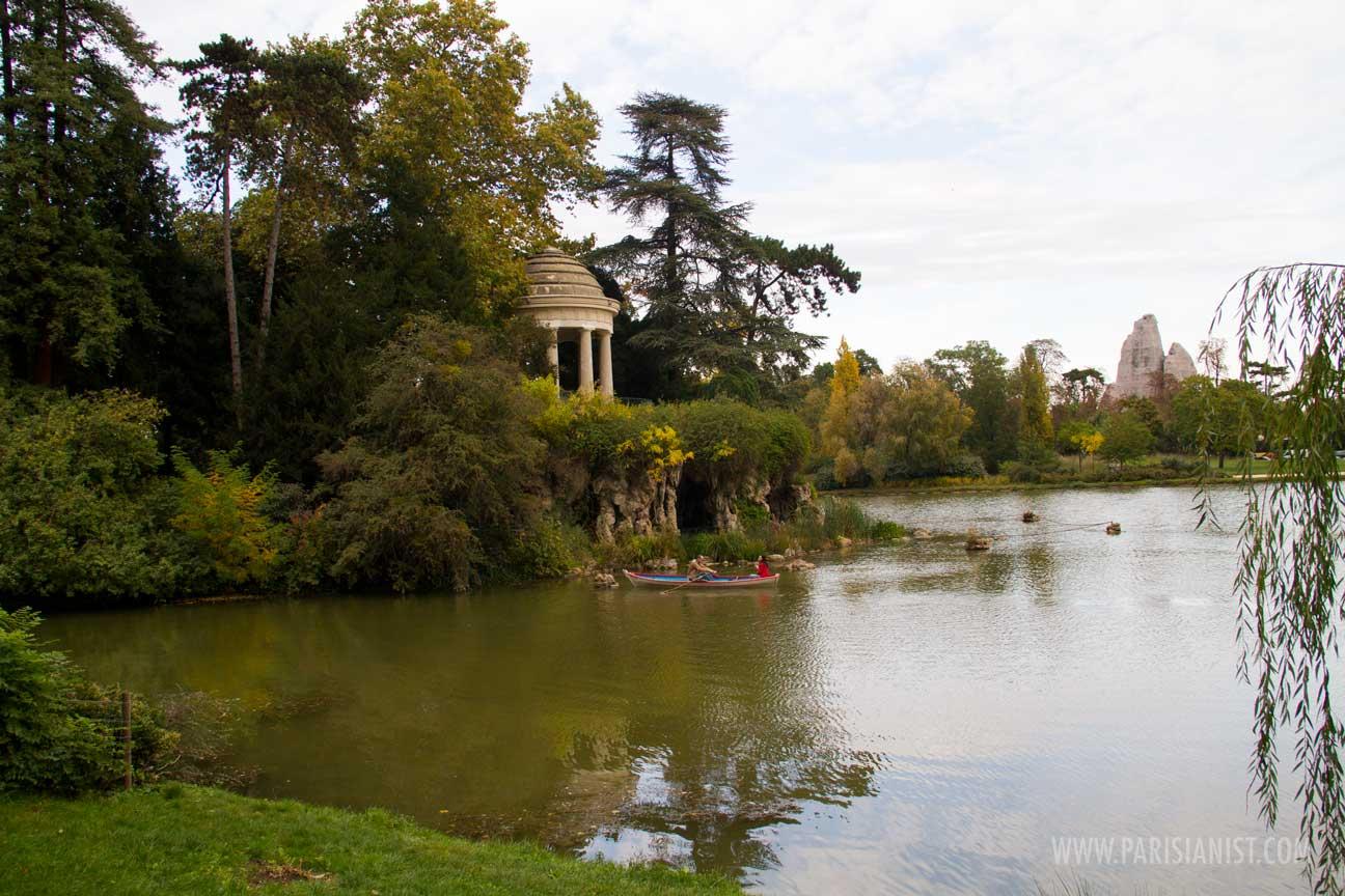 bois-de-vincennes-boat-on-lake