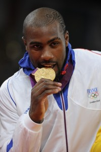 teddy-riner-champion-olympique-londres-3-aout-2012_portrait_w674