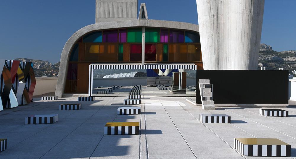 le-corbusier-cite-radieuse-marseille-toit-terrasse-daniel-buren