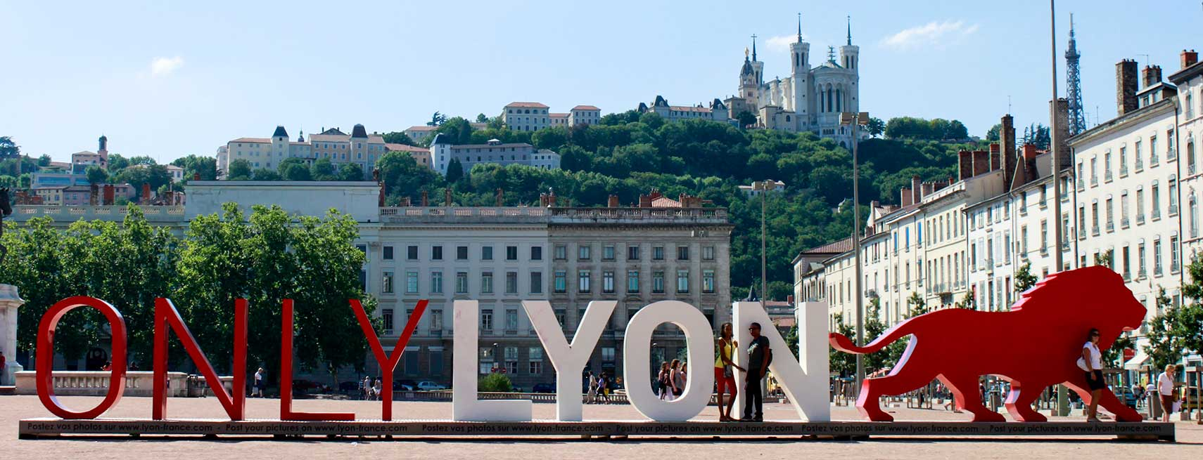 ONLY-LYON-Place-Bellecour-Lyon